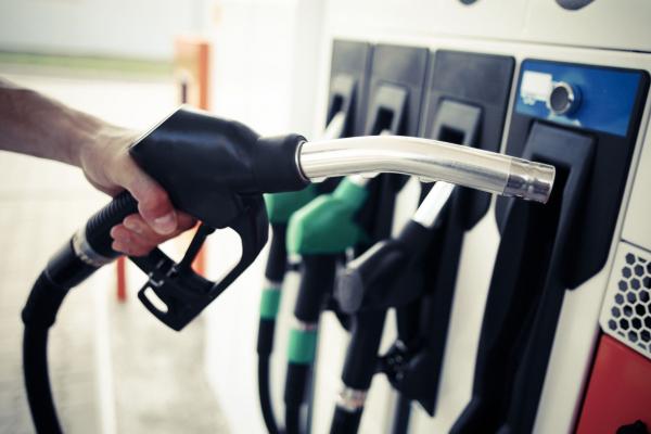 Normes sur les carburants à faible teneur en carbone au Canada